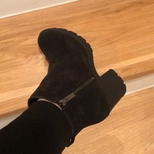 •NWOT black ankle boots•